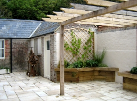 Garden Design - a Courtyard Garden from Chris Barnes