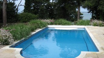 Garden design contemporary coastal garden for Garden city pool jobs